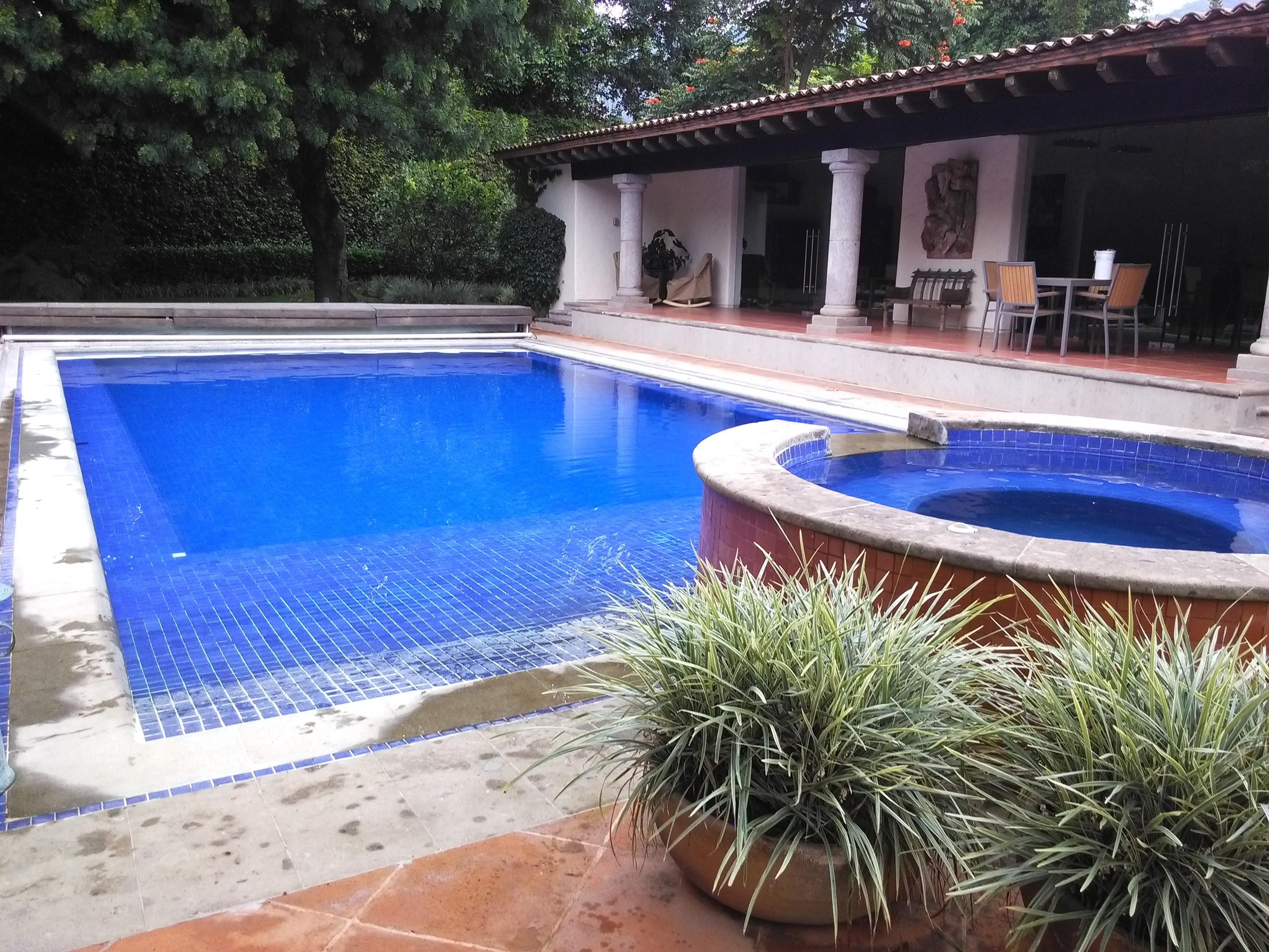 Mantenimiento para albercas y piscinas limpieza de for Imagenes de albercas modernas